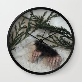 Claws for Digging Wall Clock