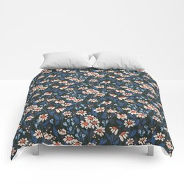 Daisy chain: floral pattern Comforters