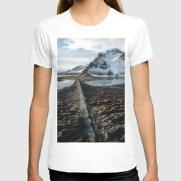 Icelandic black sand beach and mountain road - landscape photography T-shirt
