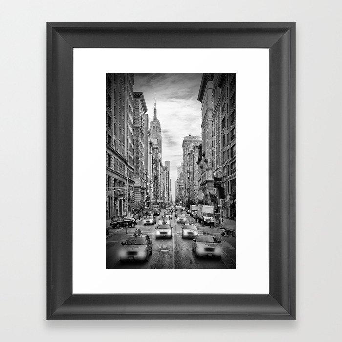 NEW YORK CITY 5th Avenue Traffic   Monochrome Gerahmter Kunstdruck