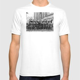 World-Renowned Physicists of 1927 at Solvay Conference T-shirt