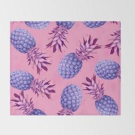 Violet pineapples Throw Blanket