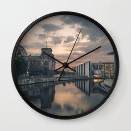Regierungsviertel Wall Clock