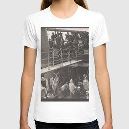 Alfred Stieglitz - The Steerage (1907) T-shirt