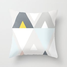 Triangle scandinave Throw Pillow