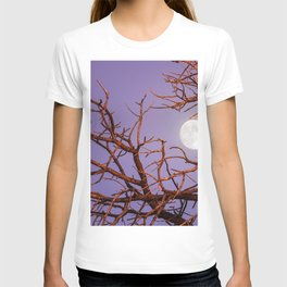 Beautiful Fascinating Full Moon Leafless Tree HD T-shirt