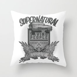 Join the hunt Throw Pillow