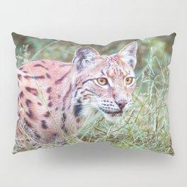 Lynx in the grass Pillow Sham