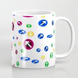 Numerosas flechas de colores apuntando a direcciones Coffee Mug