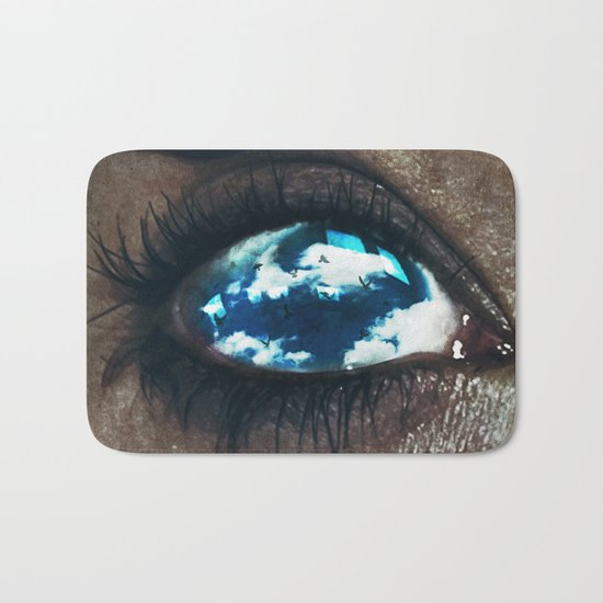 Ojos color cielo Bath Mat