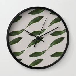 Delicate Retro Leaf Pattern Wall Clock