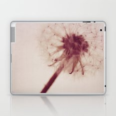 dandelion love Laptop & iPad Skin