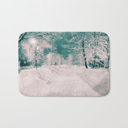 Winter wonderland. Halftone effect Bath Mat