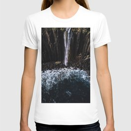 Aerial of Basalt waterfall flowing into the Atlantic ocean on the Isle of Skye - Landscape Photo T-shirt