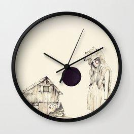 Mujer Loba Wall Clock