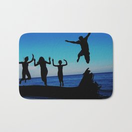 Brownie's beach silhouette Bath Mat