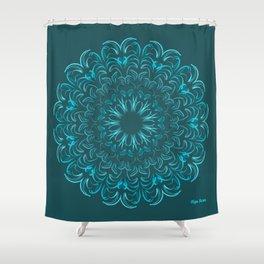 Flor de Agua Shower Curtain