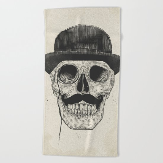 Gentlemen never die Beach Towel