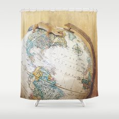 Globe-Trotting Gecko Shower Curtain