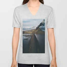 Mountain road in Iceland - Landscape Photography Unisex V-Neck