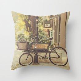 Bike I Throw Pillow