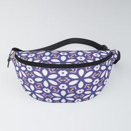 Geometric retro square white daisies seamless pattern. Fanny Pack