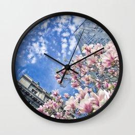 Uni dans le Temps Wall Clock
