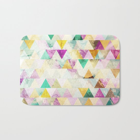 Triangles madness Bath Mat
