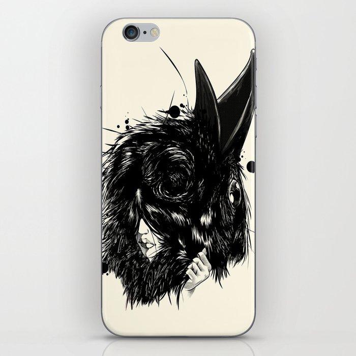 Ropaje de plumas negras / Black feather clothing iPhone Skin