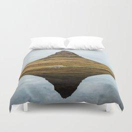 Mountain reflect Duvet Cover