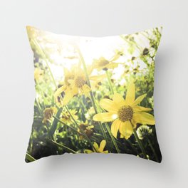 LUV IN THE SUN Throw Pillow