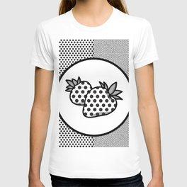 MONOCHROME POLKA DOT STRAWBERRY CONTRAST PATTERN T-shirt