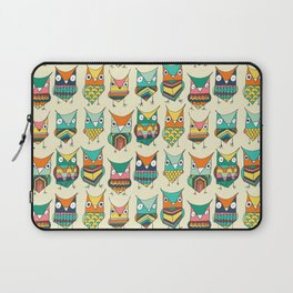 Give a hoot Laptop Sleeve