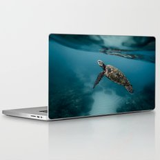 Take a peek Laptop & iPad Skin