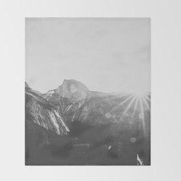 YOSEMITE / California Throw Blanket