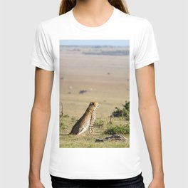 Two cheetahs on the look out T-shirt