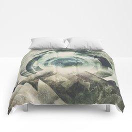 Moon travel Comforters
