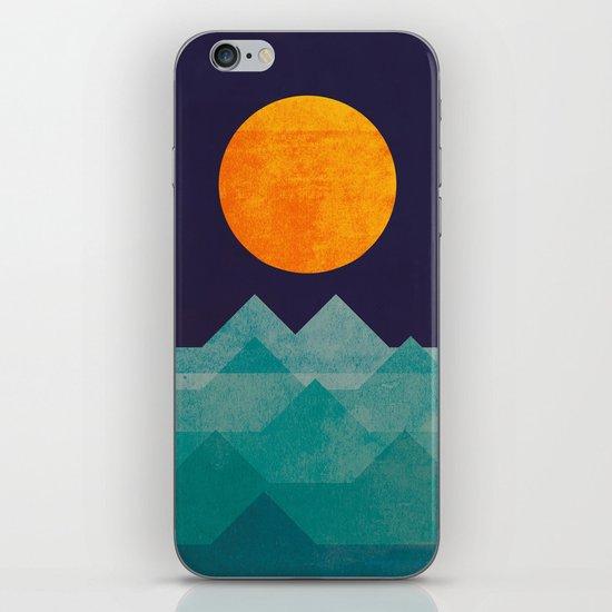 The ocean, the sea, the wave - night scene iPhone & iPod Skin