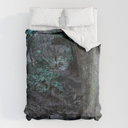 Lost in Labyrinth Forest Comforters