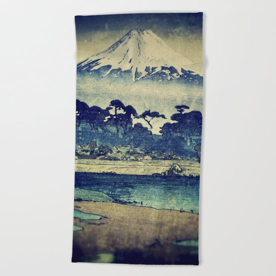 Staying at Yugen Beach Towel