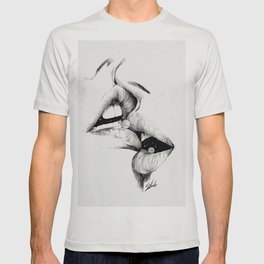 Kiss me today. T-shirt