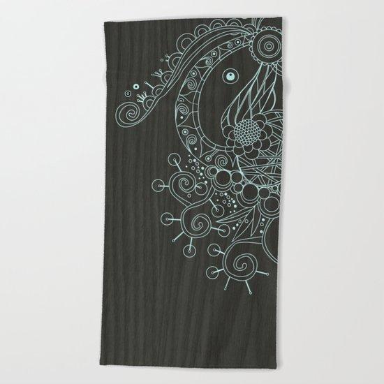 Tangle on dark wood Beach Towel