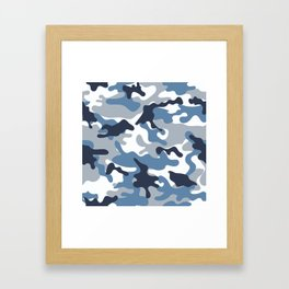 Blue and White Camo Gerahmter Kunstdruck