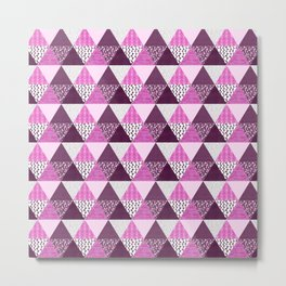 Triangle Quilt in Pink & Purple Metal Print