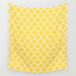 White Moroccan Quatrefoil On Mustard Yellow Wandbehang
