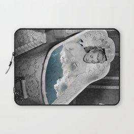 Birdy bath Laptop Sleeve