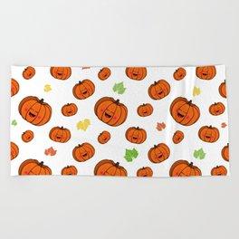 The happy pumpkin Beach Towel