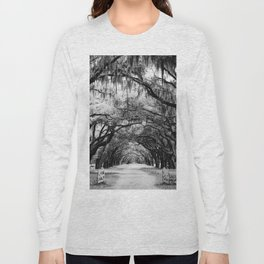 Spanish Moss on Southern Live Oak Trees black and white photograph / black and white art photography Long Sleeve T-shirt