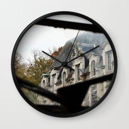 Château des singes Wall Clock