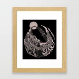 Dança pra Lua Framed Art Print